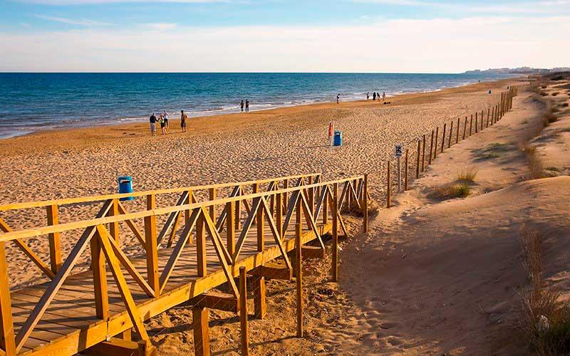 Playa escapada romántica
